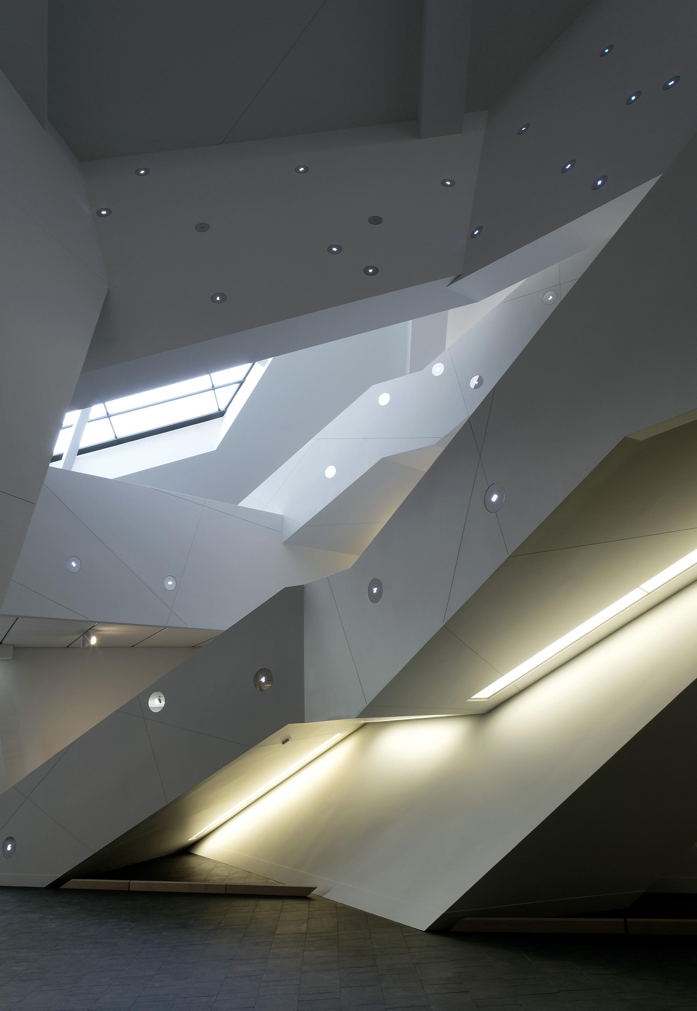 extension to the denver art museum frederic c hamilton building