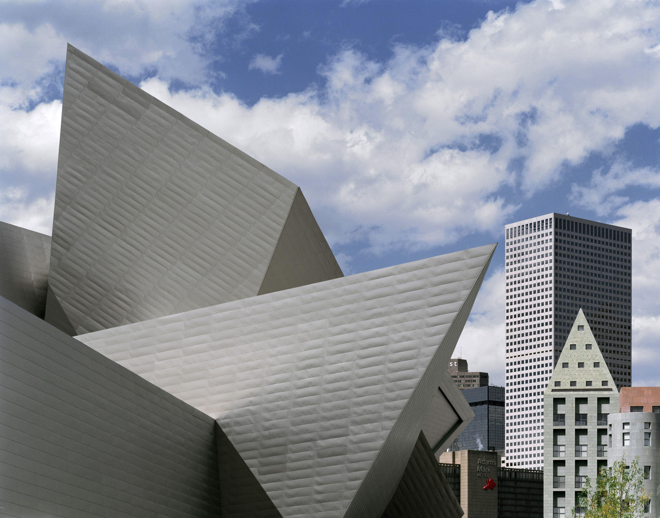 Extension to the denver art museum frederic c hamilton - Architecture of a building ...