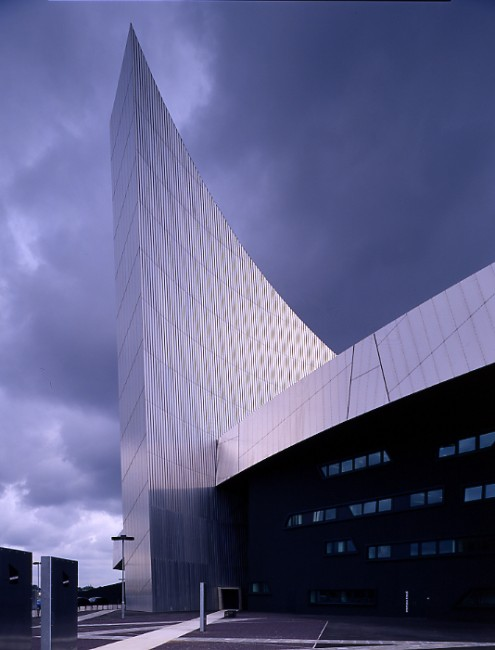 Imperial War Museum North Libeskind