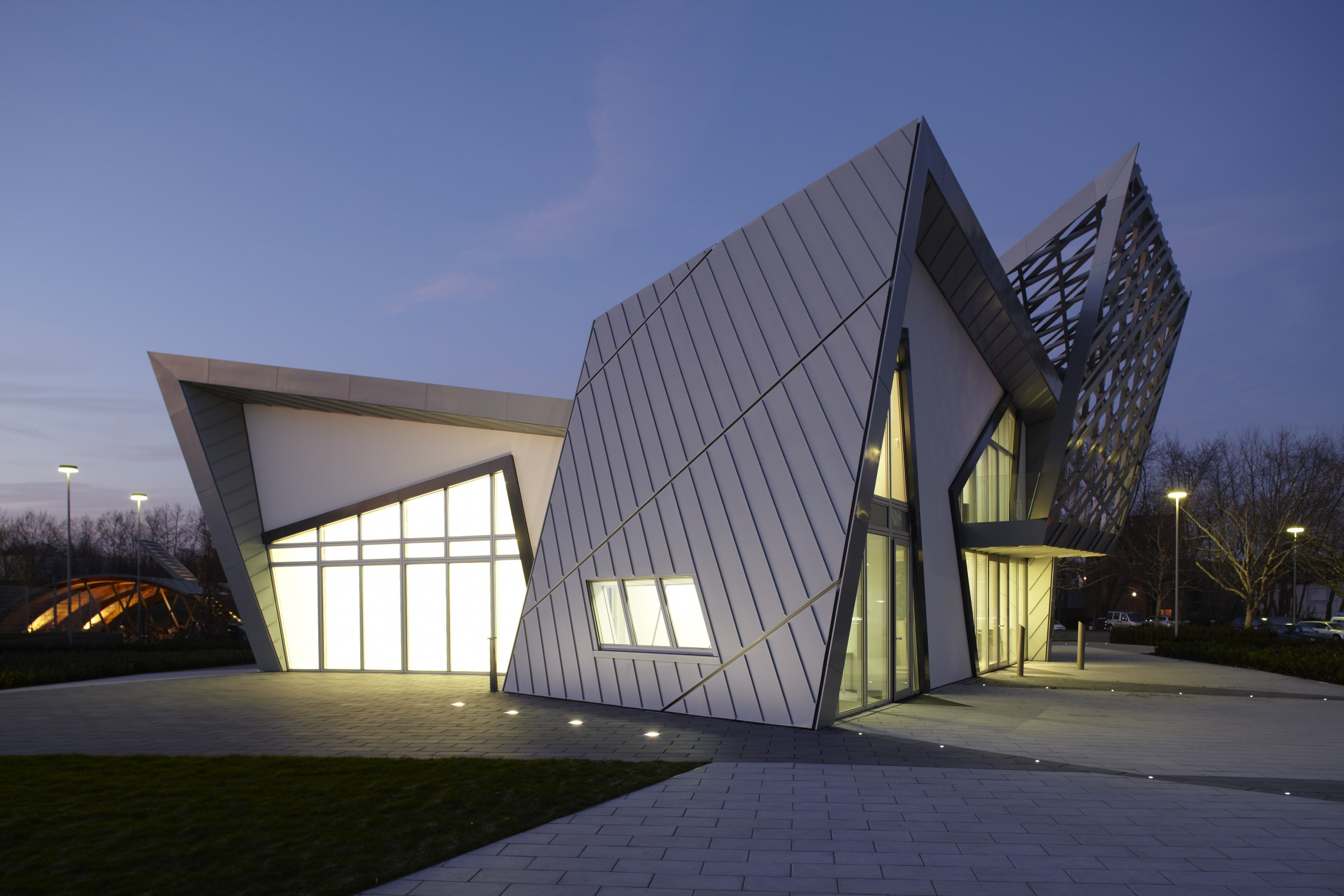 The villa libeskind signature series libeskind for Villa architecture